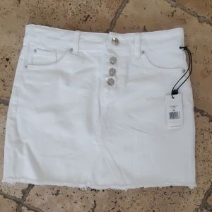 New white denim mini skirt
